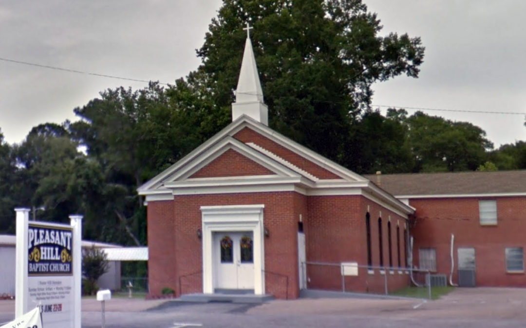 Pastor resigns after event celebrating Confederate general, KKK leader; COVID outbreak hits Alabama church